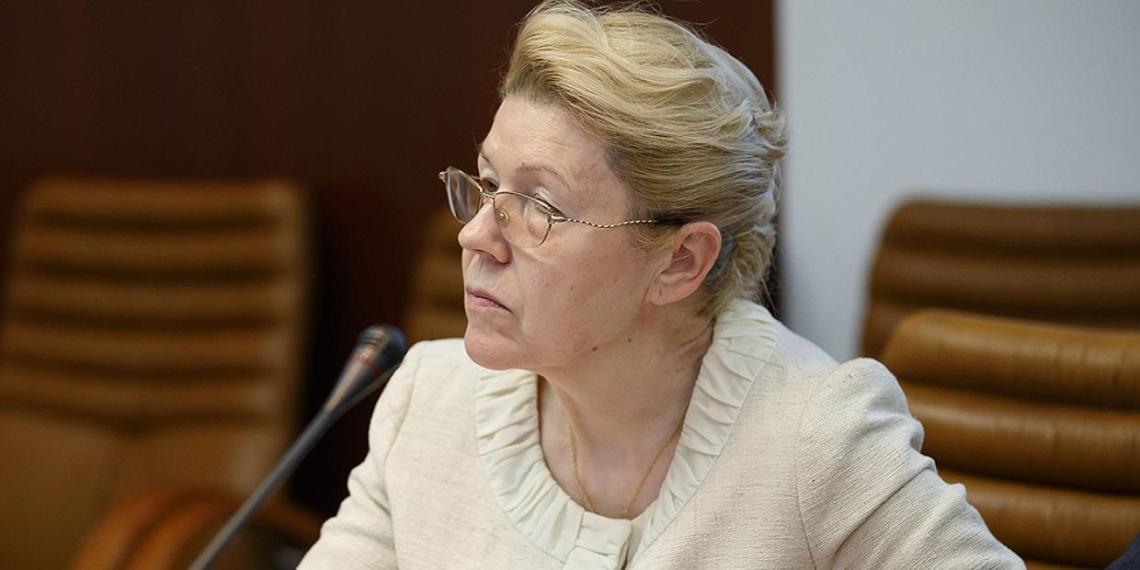 Мизулина: поправки сенаторов не предполагают передачу полномочий по изъятию детей МВД
