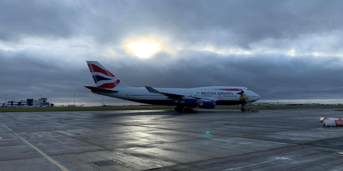 Британский пассажирский лайнер установил рекорд скорости из-за шторма