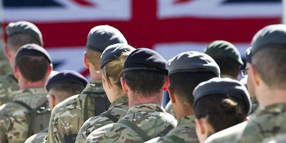 Британские военные будут доставлять продукты в магазины