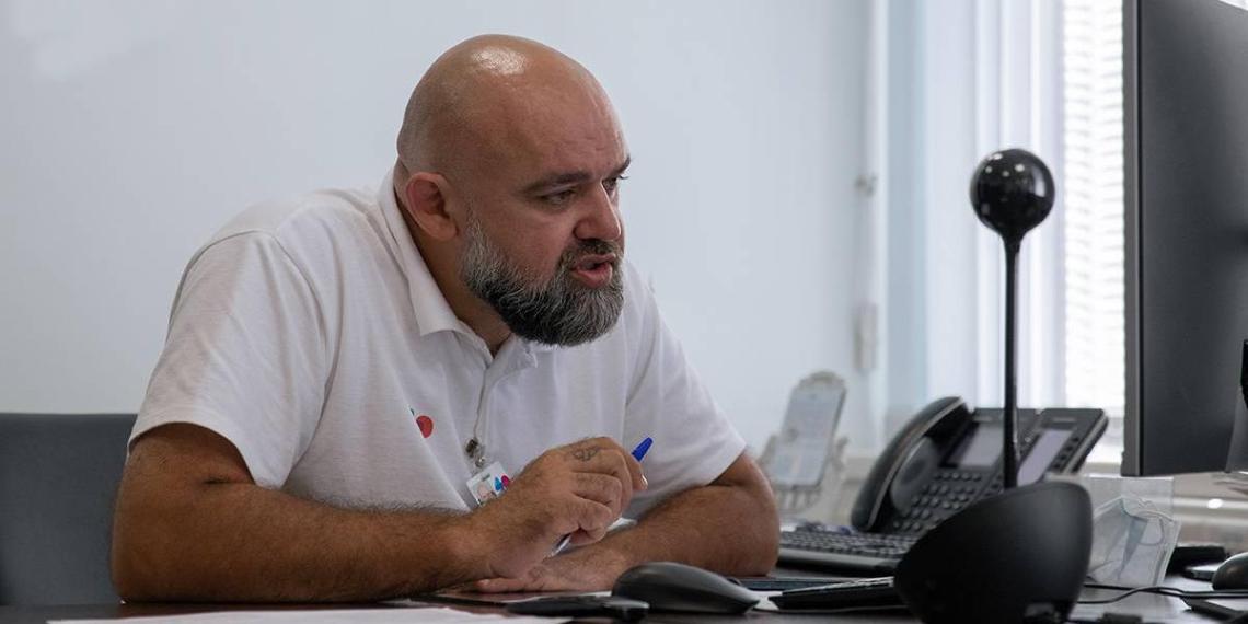 Денис Проценко предложил разработать программу поддержки врачей, проработавших на селе больше пяти лет
