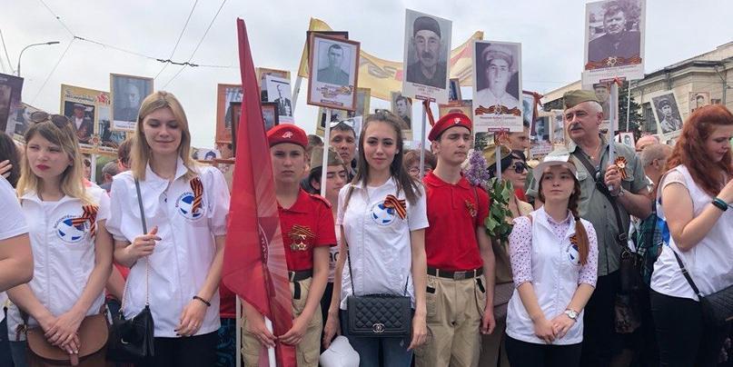 В организации Дня Победы в России помогали 150 тыс волонтеров