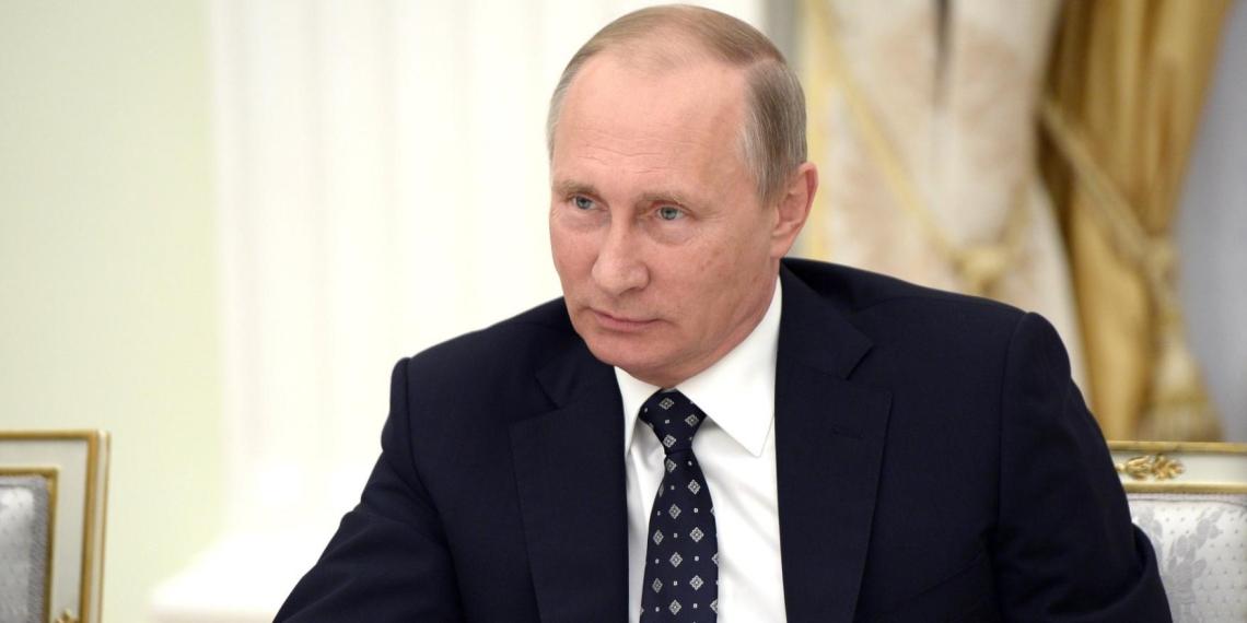 """Путин провел по видеосвязи встречу с лауреатами конкурса """"Учитель года"""""""