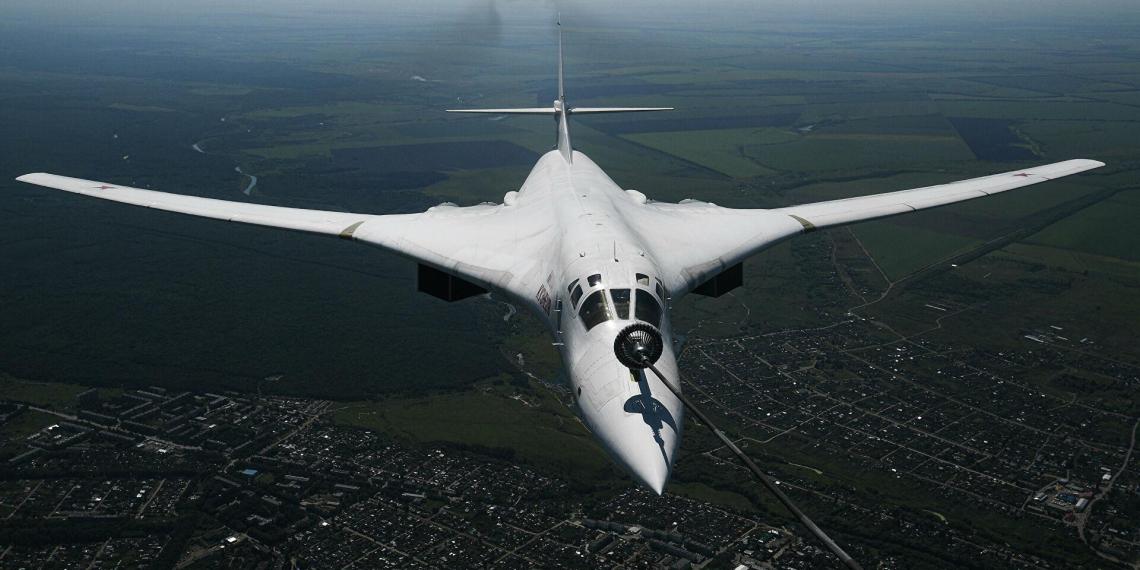 Российские стратегические бомбардировщики выпустили ракеты по целям в Коми