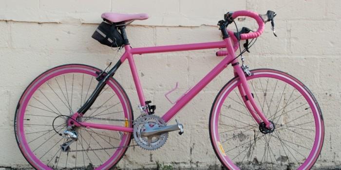Низкорослый Граф Орлов в Сланцах изнасиловал женщину и уехал на розовом велосипеде