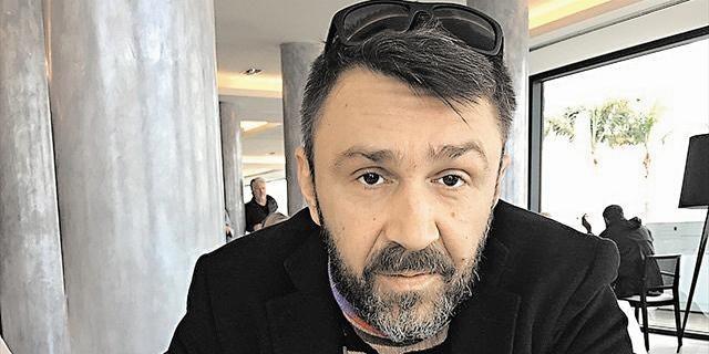 """""""Дебил"""": Шнуров разочаровал читателей своей гордостью за пьющую дочь"""