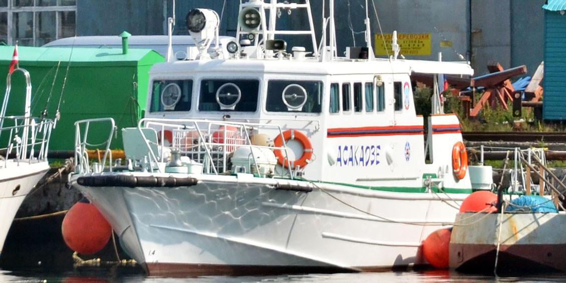 Экс-глава спасслужбы Камчатки забирал единственный спасательный катер на отдых с друзьями