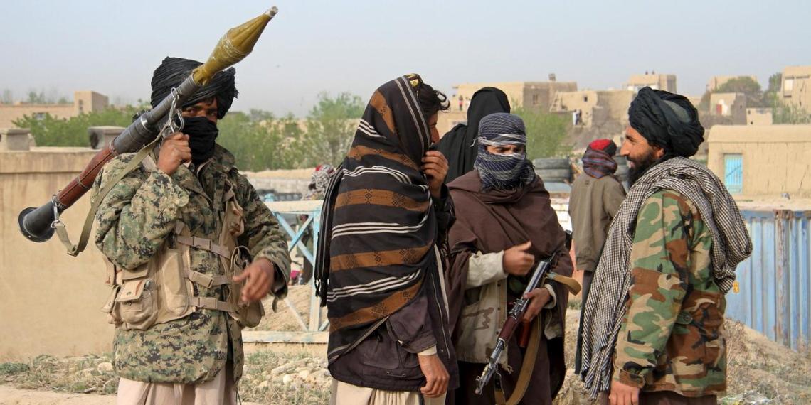 Генконсульство РФ в Афганистане прекратило работу из-за наступления боевиков