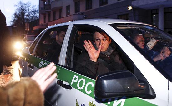 Алексей Навальный приговорен к 3,5 годам условно, Олег 3,5 года общего режима