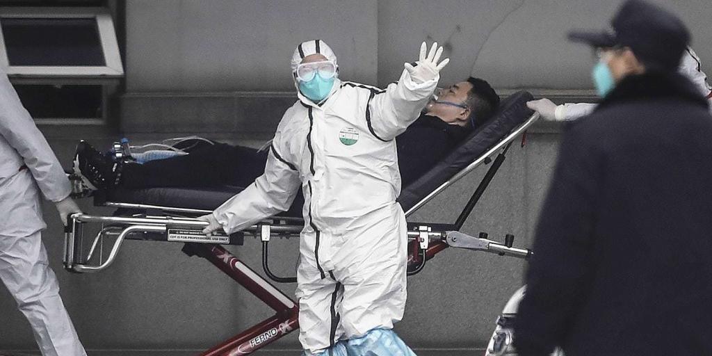 В Китае от коронавируса впервые умер врач