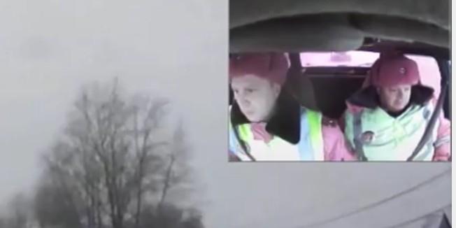 Омская полиция объяснила, почему ее сотрудники попали на видео в розовой форме
