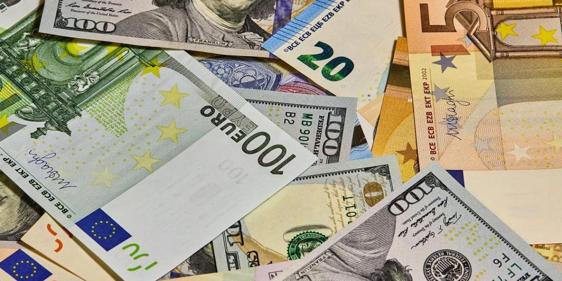 Финансист рассказал, в какой валюте лучше всего хранить сбережения