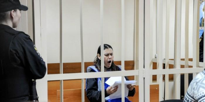Обезглавившую ребенка няню суд освободил от уголовной ответственности