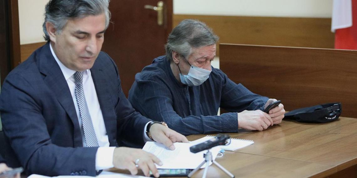 Уволенный Пашаев снова стал адвокатом Ефремова