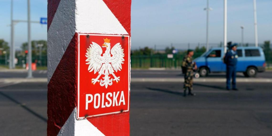 """Польша опасается """"миграционного удара по Европе"""" со стороны России"""