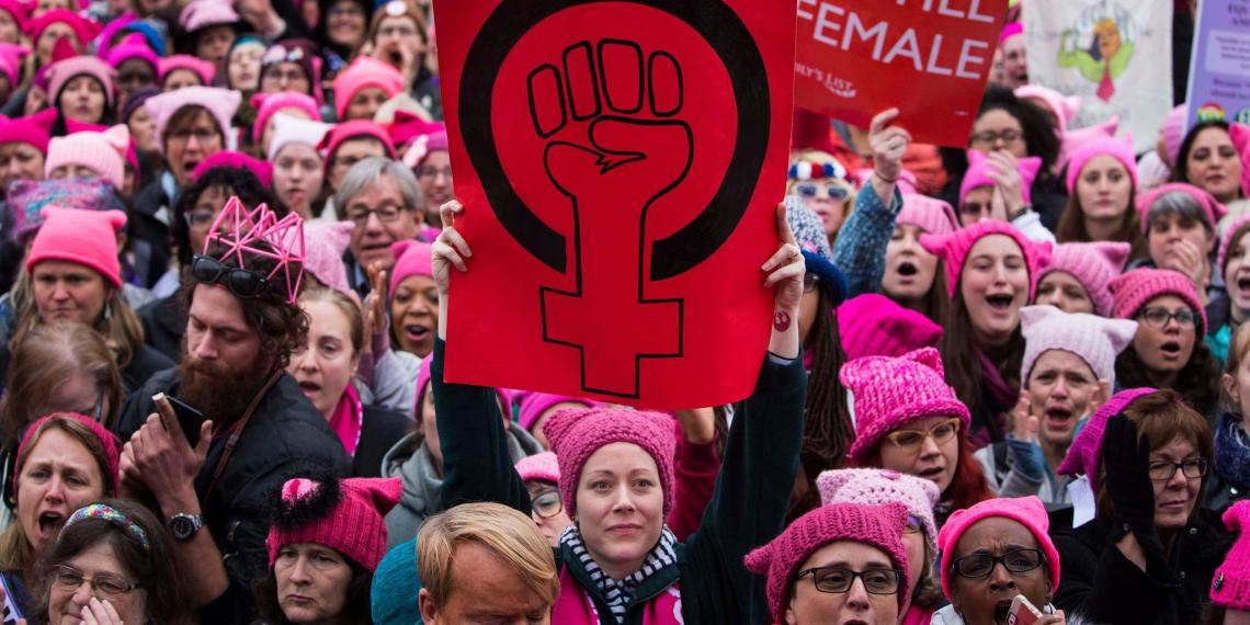 """""""Это оскорбительно"""": слишком сексуальная феминистка разозлила феминисток"""
