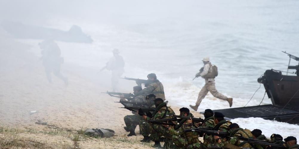 Четверо солдат НАТО пострадали при столкновении танка и автомобиля на учениях в Норвегии