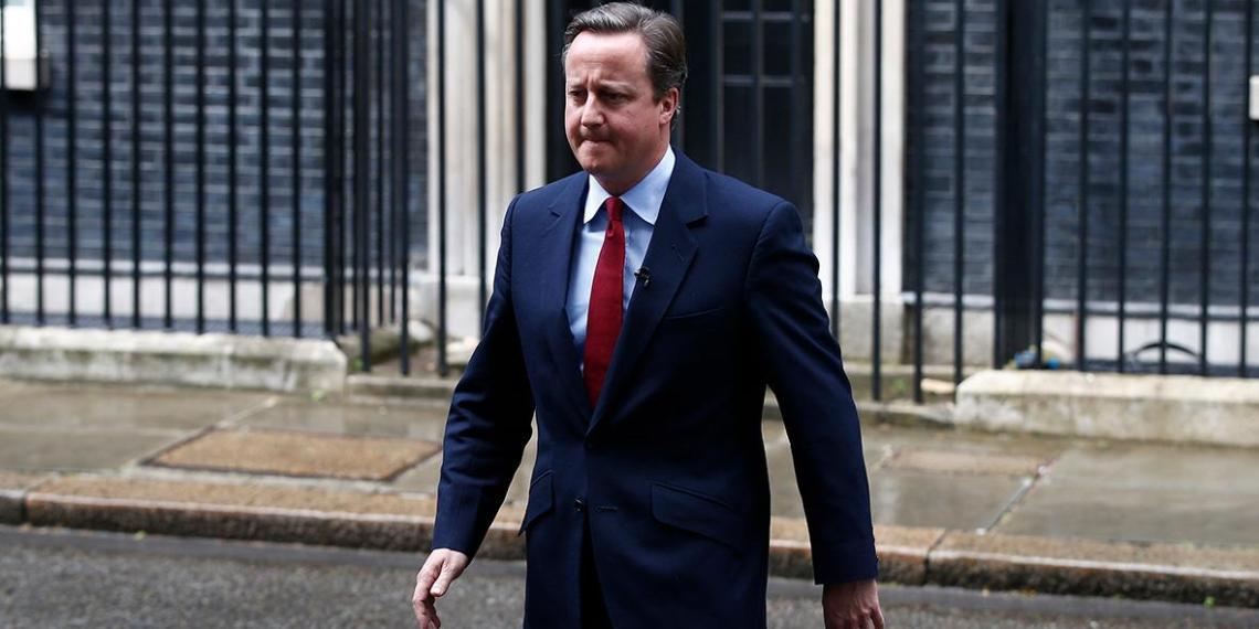 Кэмерон посчитал миротворцев на Донбассе ловушкой для Украины