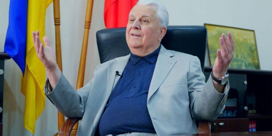 Кравчук оправдался за слова о готовности стрелять по людям с российскими флагами