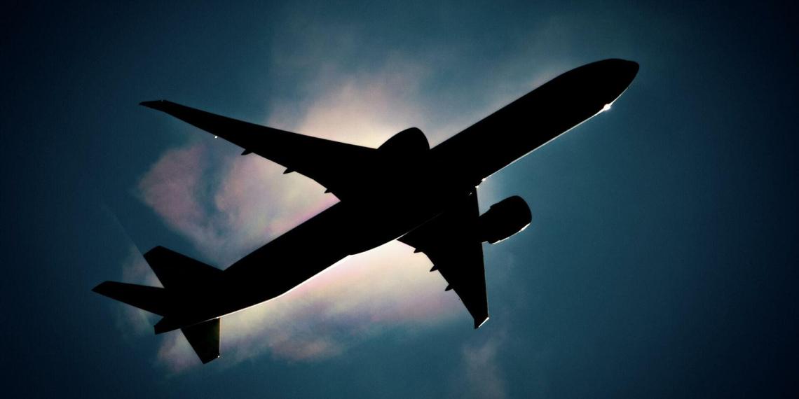СМИ: Россия вновь закрывает авиасообщение с Турцией