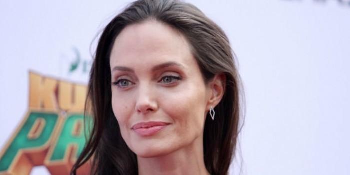 У полиции возникли вопросы к Анджелине Джоли о воспитании ей детей