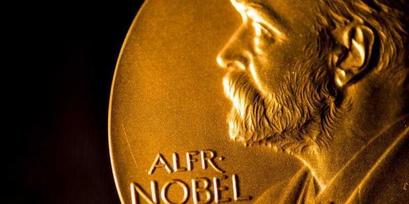 Нобелевская премия по физике досталась исследователям тайн Вселенной
