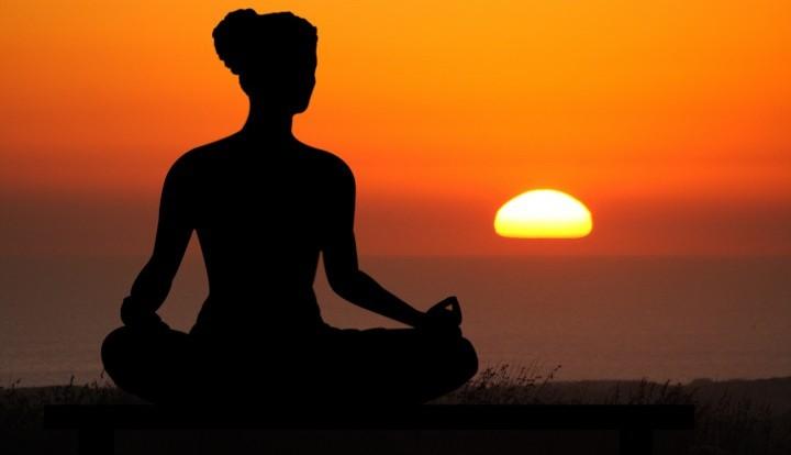 Ирландский священник утверждает, что йога доводит до сатанизма