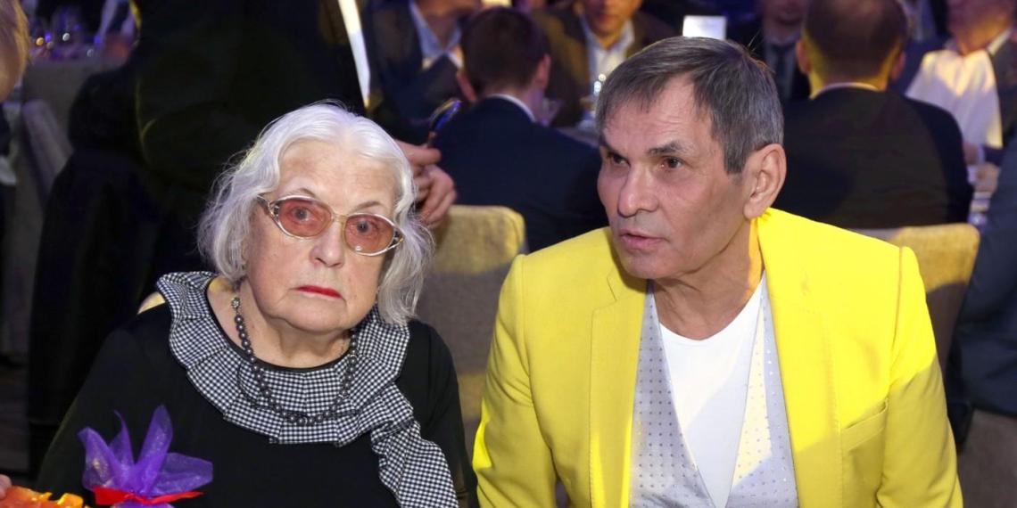 Федосеева-Шукшина подала в суд на собственного мужа Бари Алибасова из-за квартиры