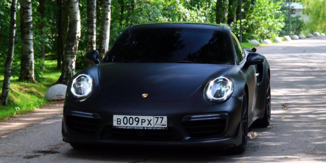 """23-летний нападающий """"Спартака"""" рассказал о покупке у Кокорина Porsche 911 за 8 млн"""