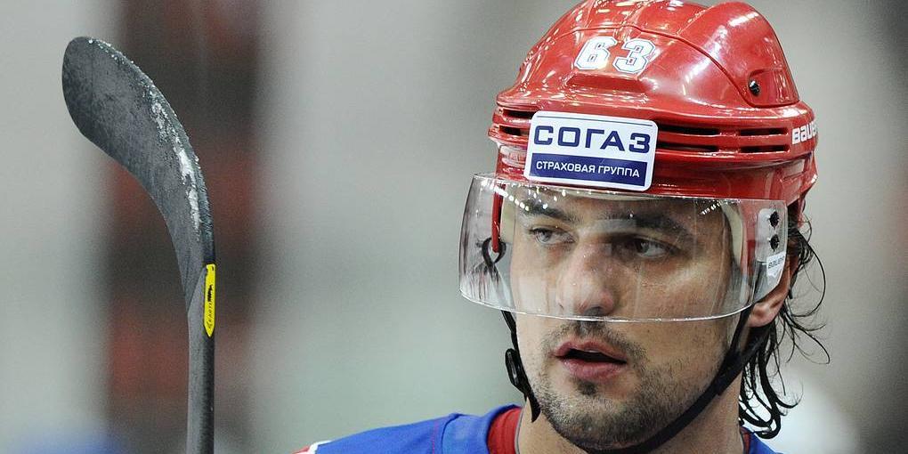 В Хабаровске капитан клуба КХЛ попал в больницу, заступившись за жену