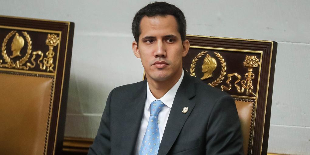 Венесуэла потребовала выдать укрывшегося во французском посольстве Гуайдо