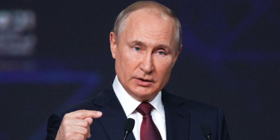"""Путин рассказал о создании """"Пушкинской карты"""" для посещения молодежью учреждений культуры"""