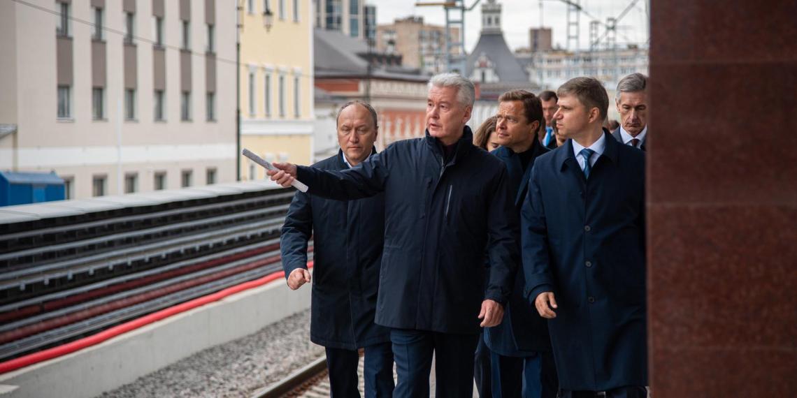 Собянин рассказал о реорганизации движения на площади трех вокзалов