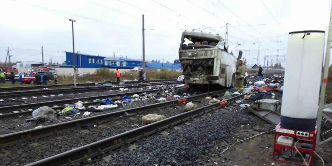 В РЖД рассказали подробности столкновения автобуса с поездом под Владимиром