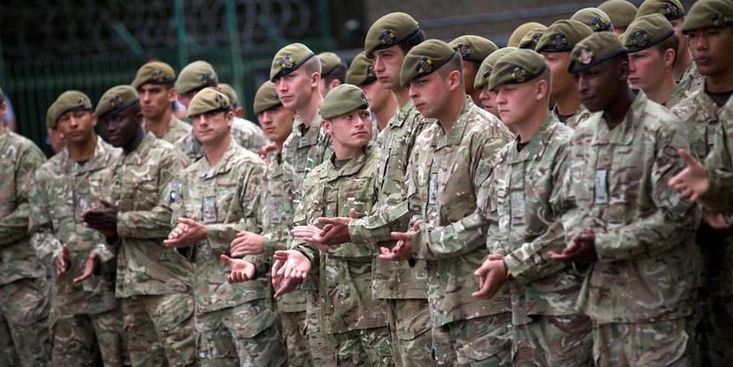 В Британии обвинили Россию в дискредитации НАТО после снятия с поезда пьяных солдат