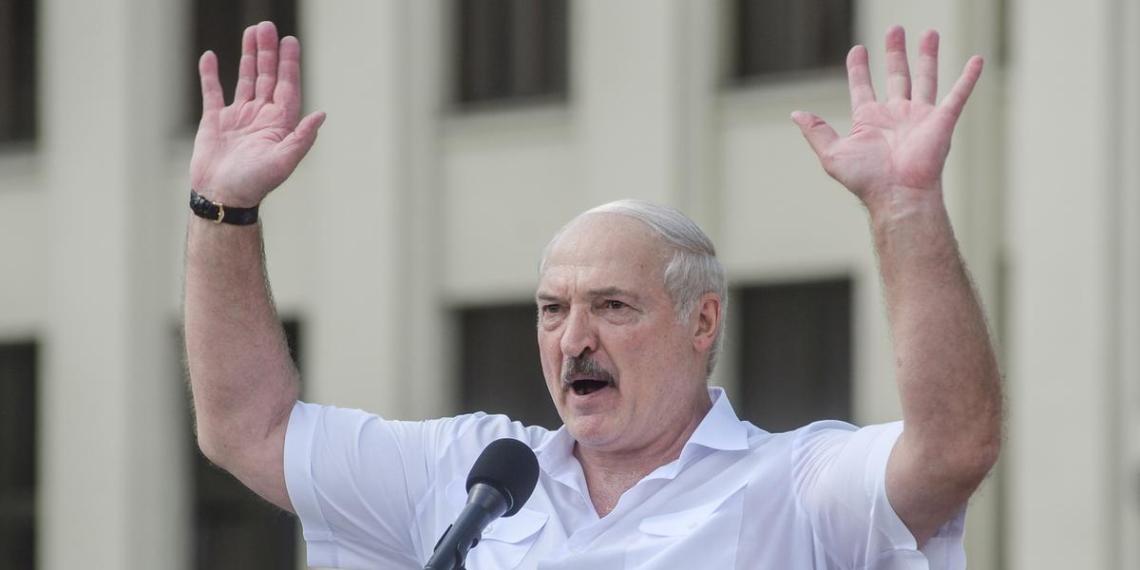 Лукашенко назвал пандемию прикрытием для передела мира