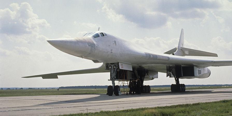 """В США назвали российский Ту-160 """"гигантским грузовиком с ракетами"""""""