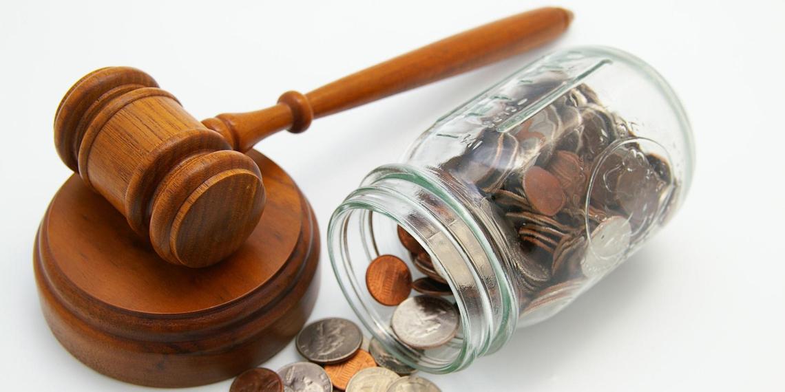 Россиянам могут начать выдавать кредиты на судебные расходы
