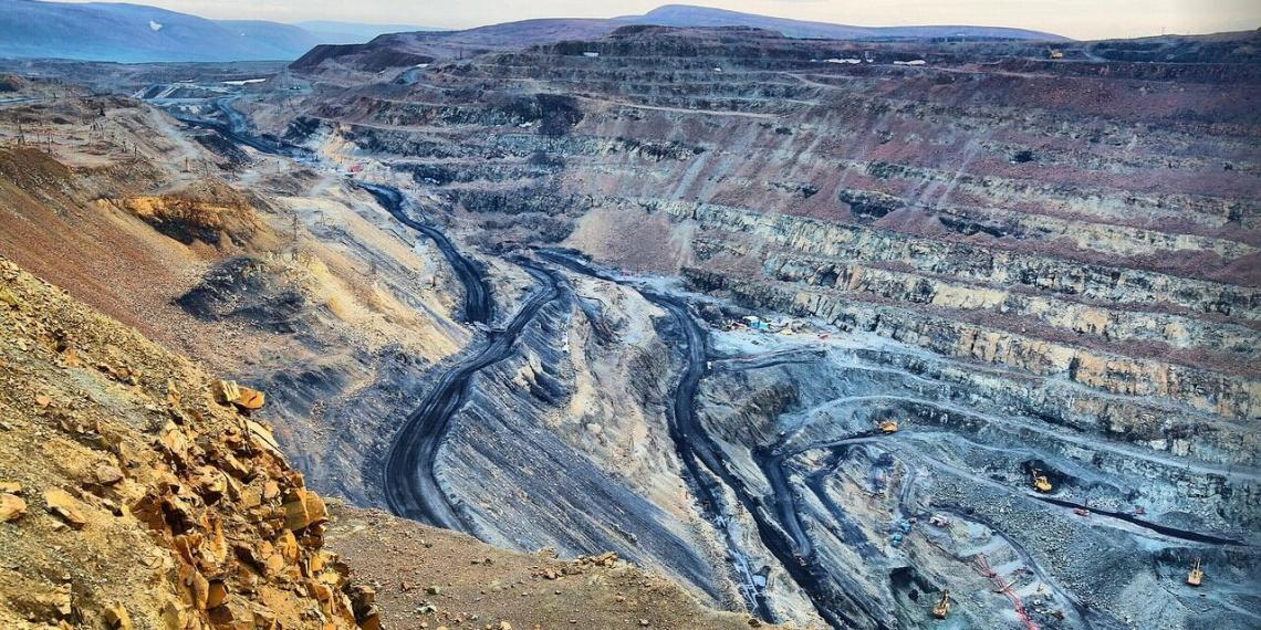 "На руднике ""дочки"" Норникеля нашли свыше 200 нарушений"