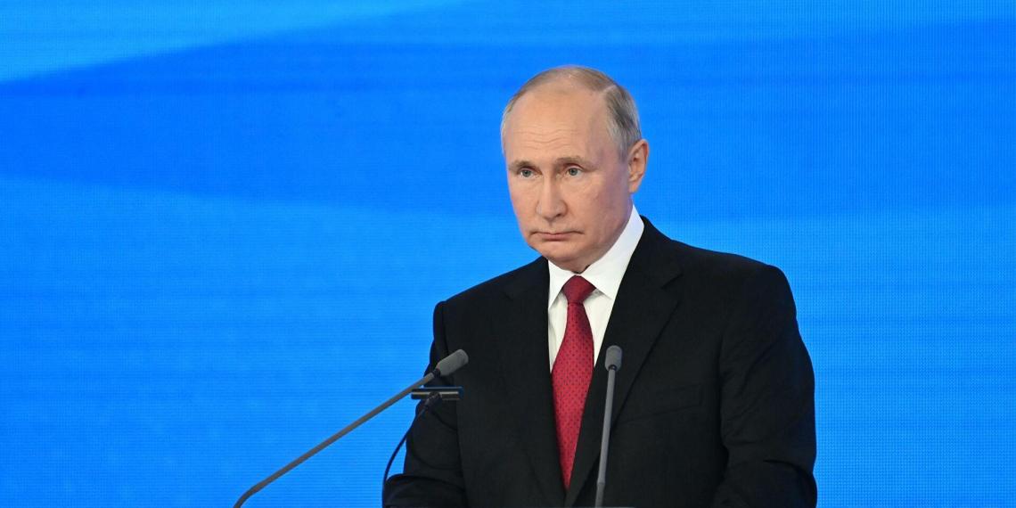 Путин рассказал о программе капремонта школ
