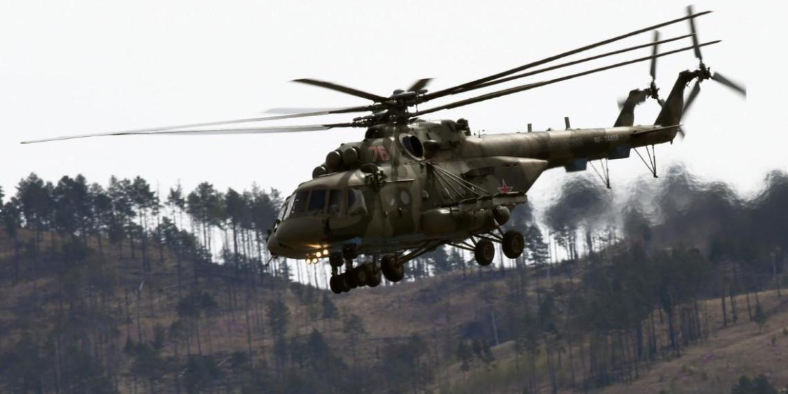 Вертолет Ми-8 разбился в российском аэропорту, есть жертвы