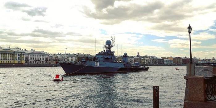 Эсминец США сорвал военно-морской парад в Петербурге