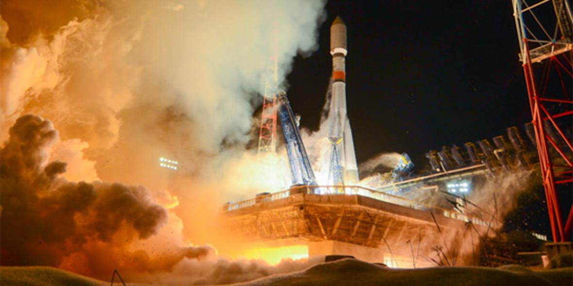 """Запущенная с космодрома Плесецк ракета """"Союз"""" успешно вывела военный спутник"""