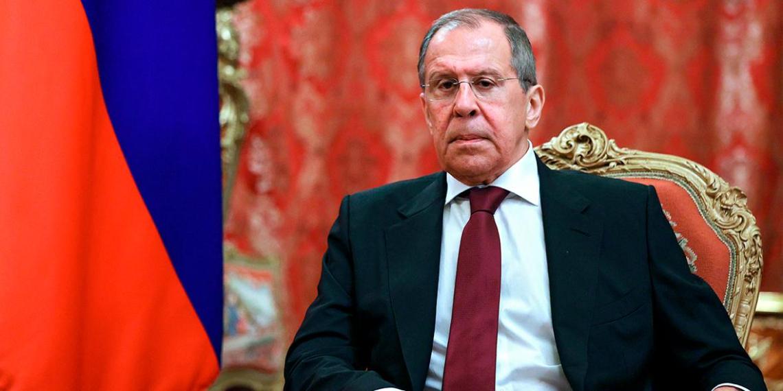 """Лавров: Россия не будет """"бегать и унижаться"""" перед Евросоюзом"""