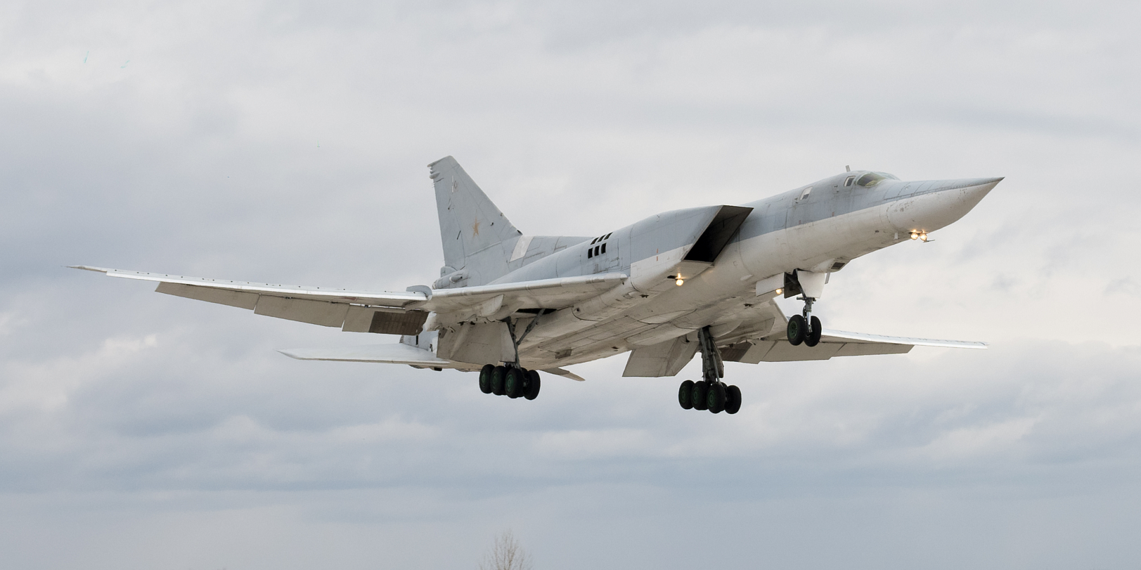 Российские стратегические бомбардировщики на учениях ударили по Белоруссии