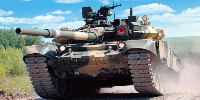 Минобороны Индии одобрило закупку у России 464 танков Т-90