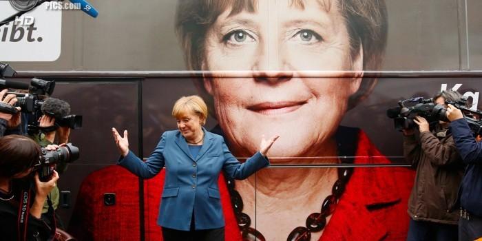 СМИ сообщили о передаче Меркель спецслужбам Британии данных о Путине и России