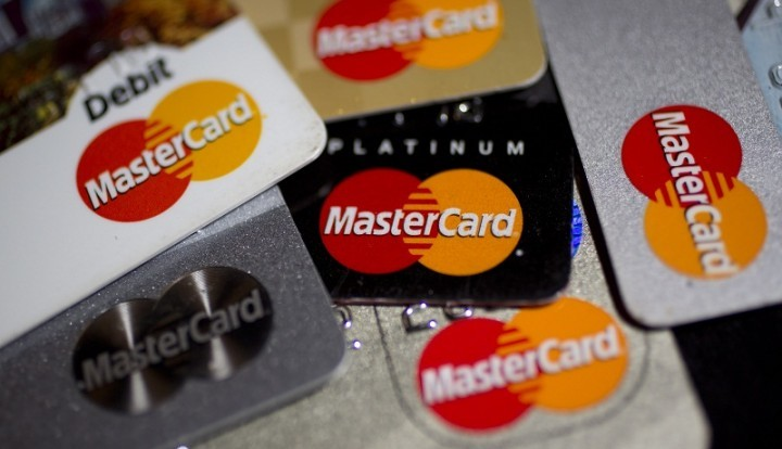Первые пять банков РФ осуществляют транзакции по картам MasterCard через НСПК
