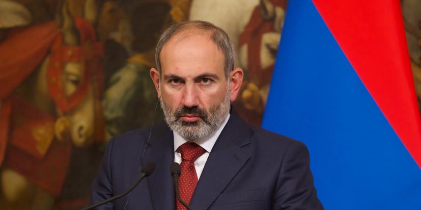 Пашинян заявил о наступлении азербайджанских войск на российских миротворцев