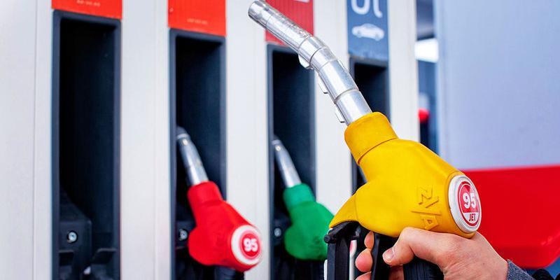 Правительство договорилось с нефтяниками о ценах на бензин