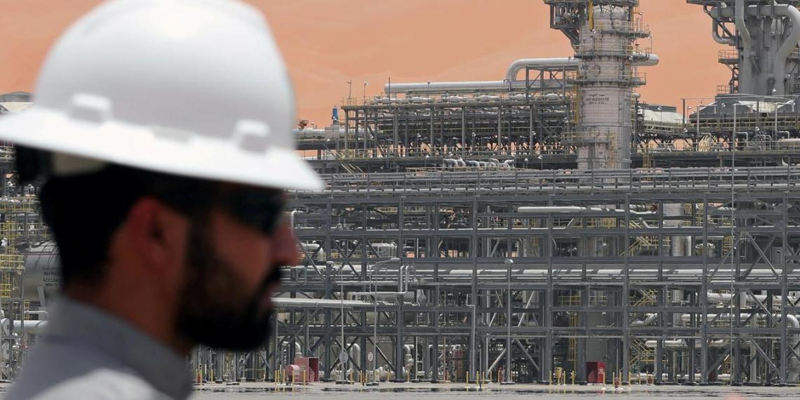 Саудовская Аравия собралась экстренно исправить ситуацию на рынке нефти